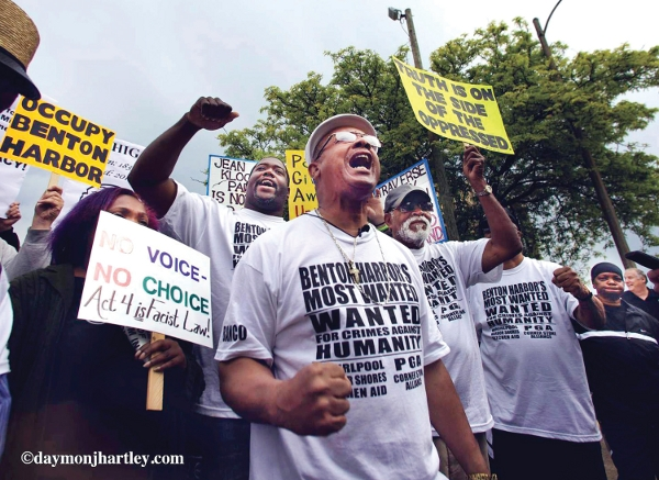 Palm Sunday gathering in Chicago calls for a real remedy to violence.   Photo/deBorah mccoy.  Photo/DaymonJHartley.com