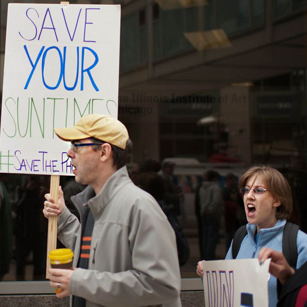 Fired Sun-Times photographers and their supporters picket in front of their offices to demand their jobs back.  Photo/Rob Hart
