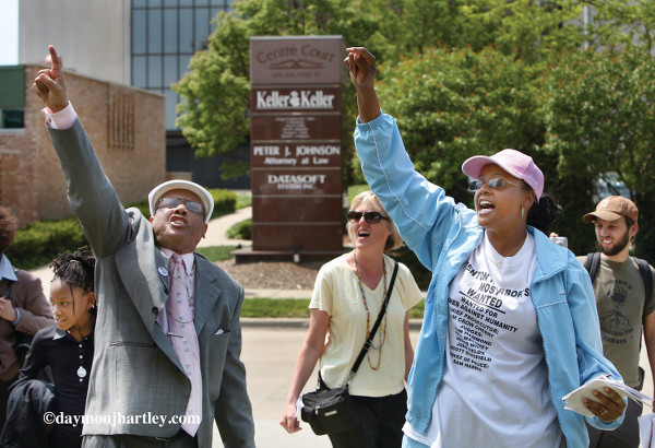 Pinkney and supporters outside the courthouse after he received a hung jury in the first vote fraud trial in 2007. He was later convicted by an all white jury. PHOTO/DAYMONJHARTLEY.COM