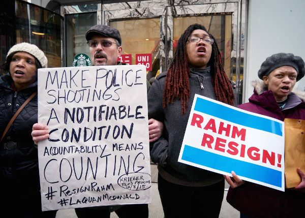 Protest of Chicago police killings on Michigan Avenue on Christmas Eve. Photo/Frank James Johnson