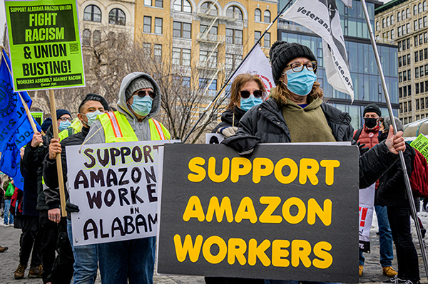 New Yorkers in solidarity with Amazon workers